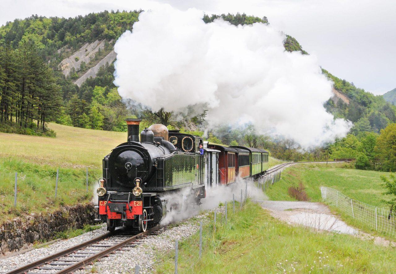 Le Train des Pignes à Vapeur au plan du Coulomp